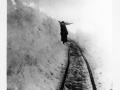 0822 Snövallar vid industrijärvägen påsk 1924 Foto E.STrand